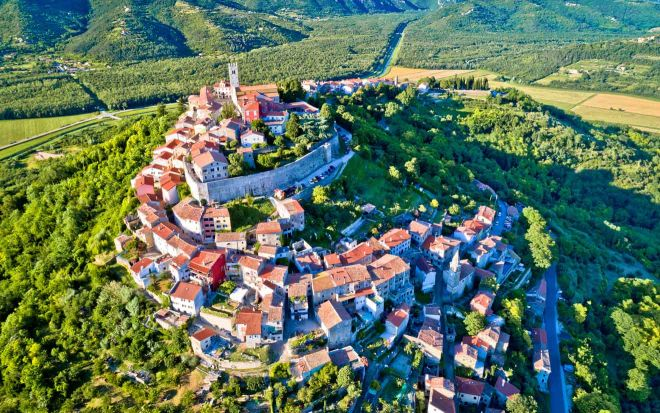 8-Charming-Towns-In-Istria-Croatia-You-Should-Visit-istria-2-660x413