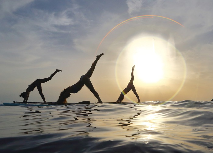 sunset-sup-yoga-class.jpg__700x504_q92_crop_subsampling-2_upscale